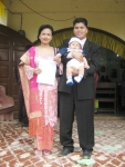 Salah satu tanggung jawab Papa en Mama membawa si Kecil mengenal  Tuhan sejak dini dengan salah satu Sakramen Kristiani yaitu  Baptisan Kudus